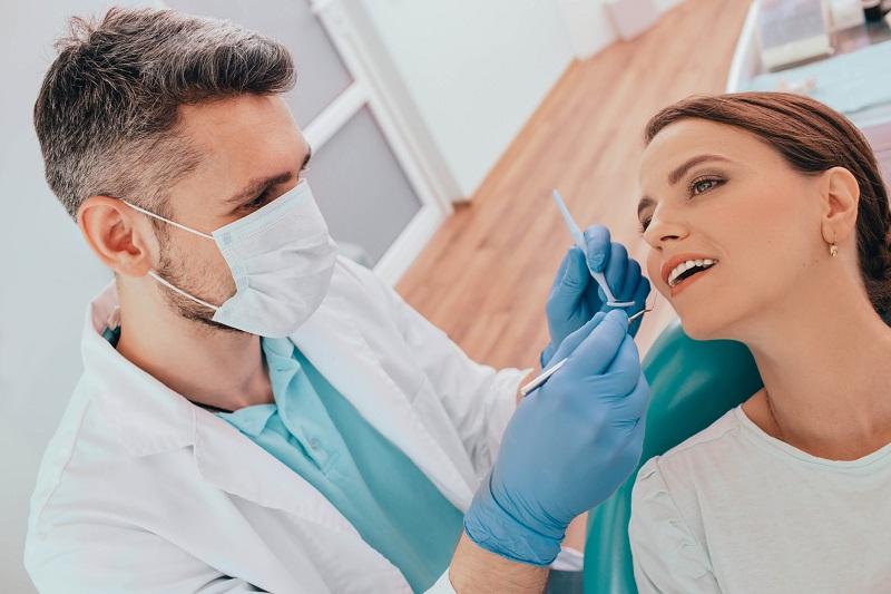 Jak często poddawać się zabiegom higienizacji zębów?